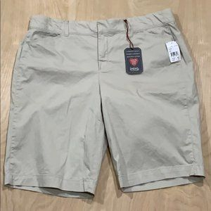 NWT intro. Women's Stretch Bermuda Shorts Size 16